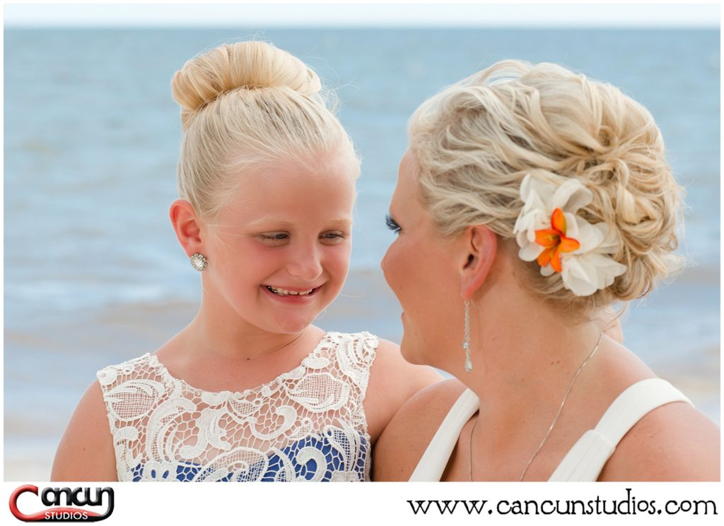 Hairstyle for Cancun Beach Photo Session